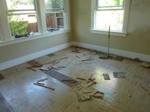 removing vinyl tiles